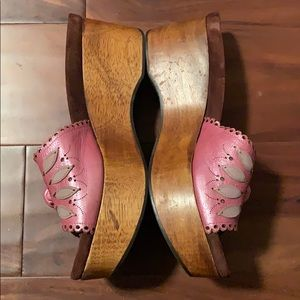 Isabella Fiore Pink Leather Wooden Clog  Sz 7